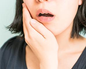 歯肉が痛い・歯が動く(歯周病)